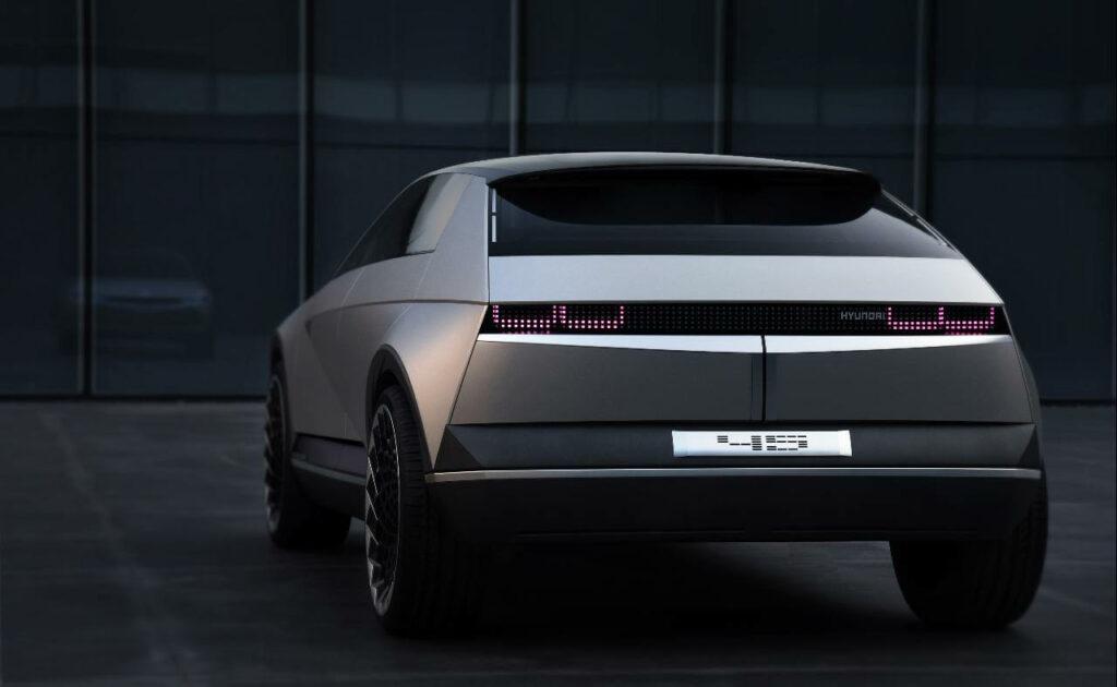 Traseira do Hyundai Concept Elétrico 45